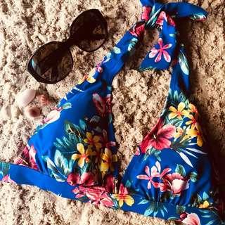 Floral beach babe bikini