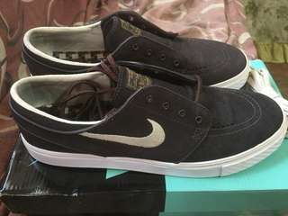 Nike janoski capoccino like new..3times used