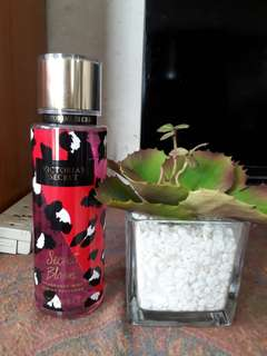 Victoria's Secret Fragrance Mist (Secret Bloom)