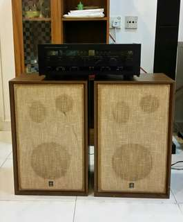 YAMAHA Amplifier and Speaker