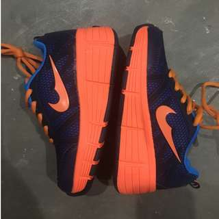 Rubi shoes with wheels - color orange and blue