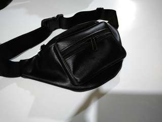 Leather waist bag 01