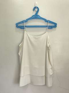 Woman sleeveless string top