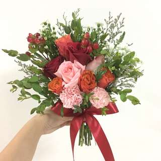 Cheerful Bridal Bouquet in Duo Tone Orange Red Roses with Pink rose and red rose with mix fillers / small Rustic Bouquet