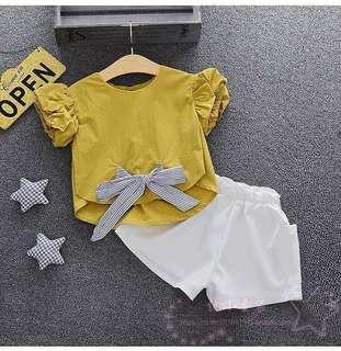 預購2018韓系新款女童泡泡袖兩件套  顏色:黃色-藍色-白色 尺碼:7-9-11-13-15 (100-110-120-130-140) 團優惠價:290元/1套