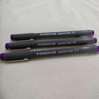 Staedtler pigment liner 0.5 purple