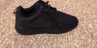 Nike Mens Roshe One Running shoes