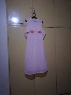 Dress New supposed to be gagamitin sa Debut nagcharge outfit masikip.