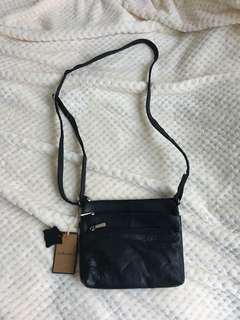 G.H. Bass&Co. Genuine leather cross body bag