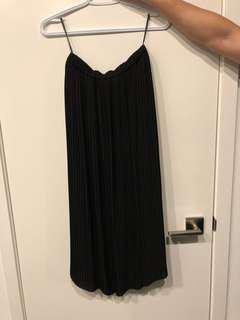 Uniqlo pleated dress