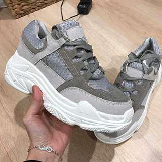 Chunky sole Sneaker