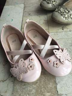 Pre-loved H&M KID'S BALLET SHOES in good condition
