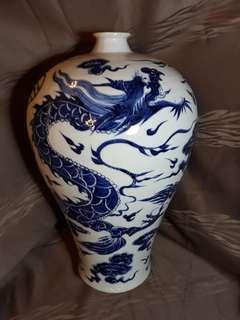 明代初期博陵第款青花龍紋梅瓶。43公分高,到代珍品。