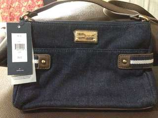 Authentic Tommy Hilfiger shoulder bag