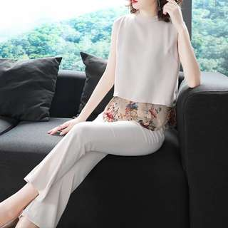 🔱⏳ 2 pc Sheer insert floral underlay bLouse and Pants set