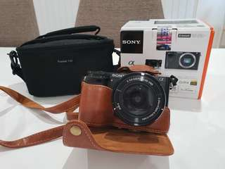 Sony a6000 with 16-50mm lens kit