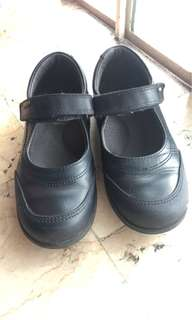 Pre loved SCHOOL SHOES IN EXCELLENT CONDITION
