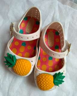 Mini melissa pineapple