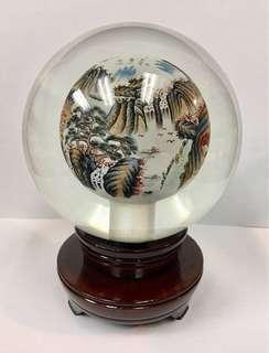 山水風景畫水晶玻璃球連可轉木座一個
