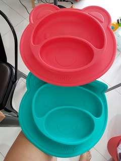2 Nuby silicon feeding mats/plates