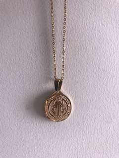 Medallion Gold Neckace