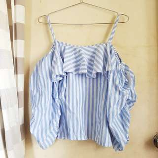 🎉REPRICED🎉Trendy Cold Shoulder Top