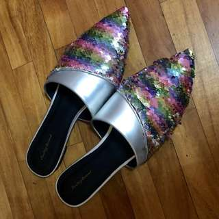 Color changing sequin flats