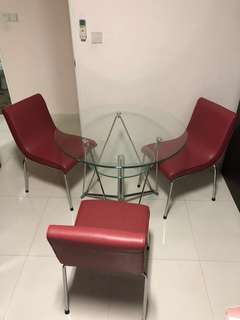 90cm Round Glass table w 3 chairs
