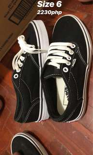 Vans Atwood Size 6 Black and White