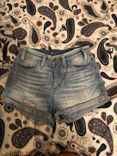 Aritzia Levi's High waisted jean shorts