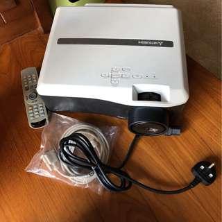Mitsubishi HL650U Projector