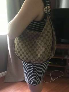 For Sale Authentic Gucci Bag with Dustbag✔️Good Conditon ✔️PreOwned✔️