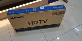 Brand New and Sealed Samsung 32 Inch HDTV