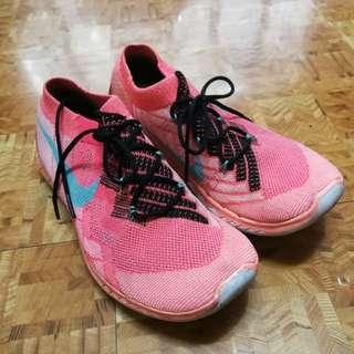 Nike flyknit size 7