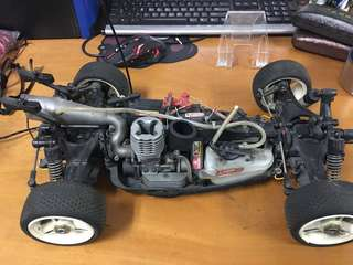 Fuel oil remote-controlled vehicle