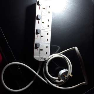 4 Gang UK Plug Extension Power Socket with 2M Cable .