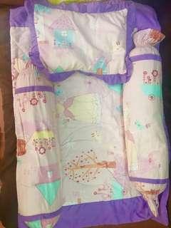 Pillow, Bolster, Comforter
