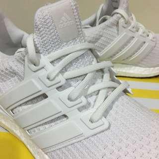 Adidas ultra boost 4.0 全白馬牌底 Us 9