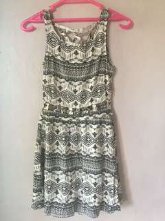 👗BNWT Divided by H&M aztec dress