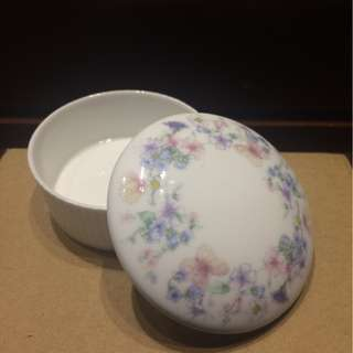 Wedgwood Angela Round Lidded Trinket Box