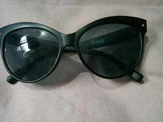Sunnies Glasses