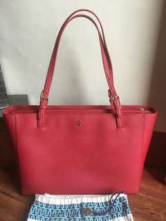 Tory Burch Large York Buckle Red Saffiaano