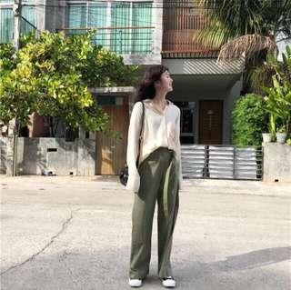 🚚 帥氣ㄉˉ軍綠色寬褲 亞麻 腿長長