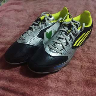 Brand-new Adidas F10 TRX FG Football Soccer Shoes Size 8.5