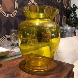 Kartell設計品牌 黃色花瓶壓克力材質