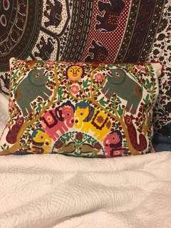 Ishka pillow