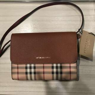 Authentic Burberry Ladies Large Leather Bag