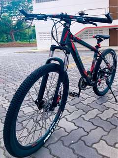 26' Aluminium MTB / Mountain Bike , Full Shimano 21 Speeds . Disc brakes, Front suspension , Brand New TRINX Bicycle >> Used One <<