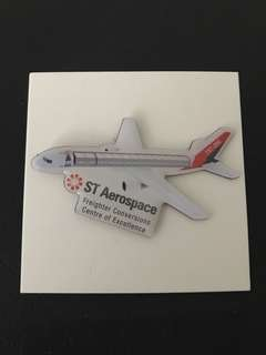 🛩 Aerospace Aeroplane 757-200 Collar Pin Badge