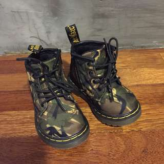 Dr Martens Toddler Camo Boots